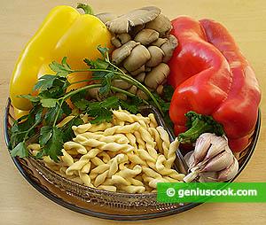 Ingredienti Fusilli, peperoni e funghi