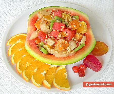 Macedonia di frutte in anguria nana