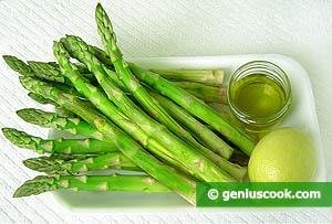 ingredienti asparagi lessi