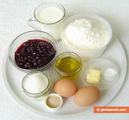 Ingredienti per le brioches farcite con i ribes