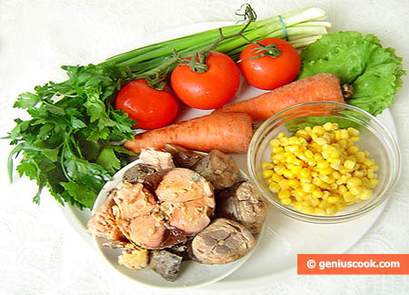 ingredienti insalata di tonno, pomodori, carote
