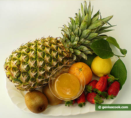 Ingredienti per l'ananas macedonia