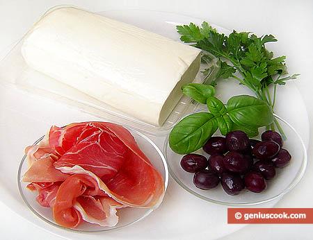 Ingredienti per l'arrotolato di mozzarella