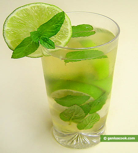 """Cocktail """"Mohito"""" rum, menta, limes"""