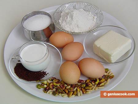 Ingredienti per i bignè alla crema di caffè, pistacchi e pinoli