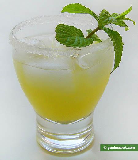 cocktail di Martini dry con succo d'ananas