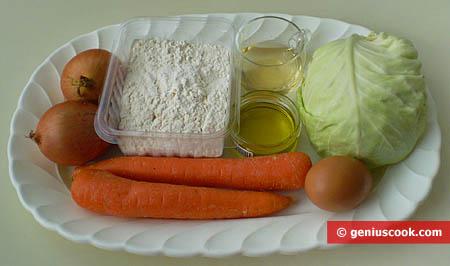 Ingredienti per la torta rustica di cavolo cappuccio