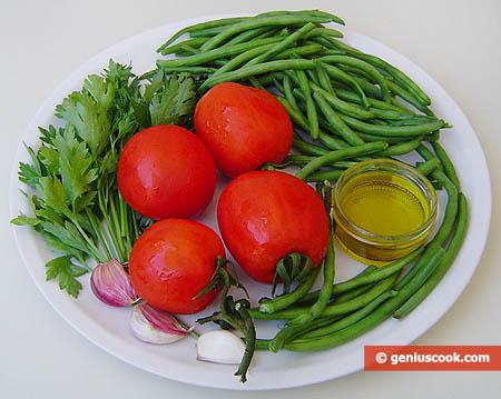 ingredienti per i fagiolini verdi al pomodoro