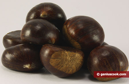 "ingredienti per le ""Caldarroste"" castagne arrostite"