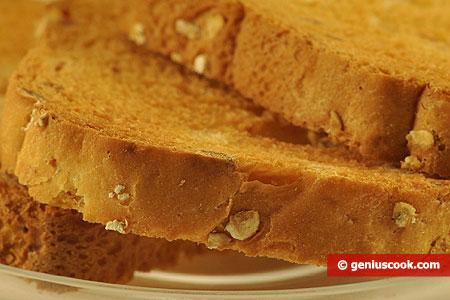 Fette di pan carré integrale, tostate con aggiunte di cereali integrali