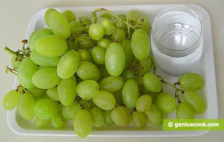 Ingredienti per l'Uva sotto spirito