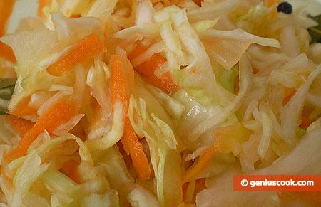 Insalata con cavolo c appuccio (crauto bianco)