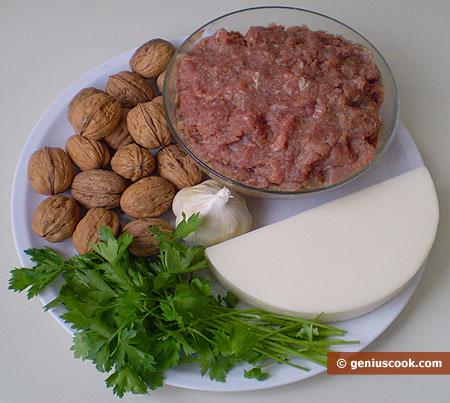 ingredienti per il polpettone di formaggio e noci