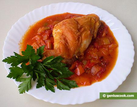 Coniglio in salsa di pomodori, peperoni dolci (cornetti), curry