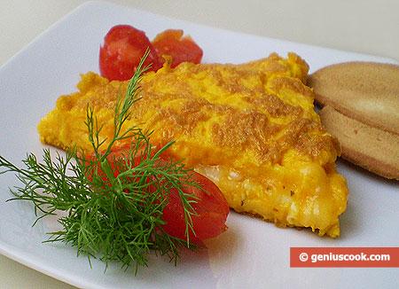 porzione di Frittata di uova e formaggio