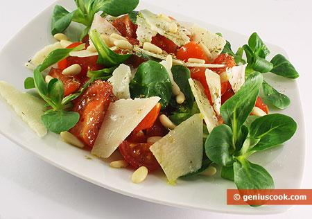 Insalata di Valeriana, pomodori e formaggio