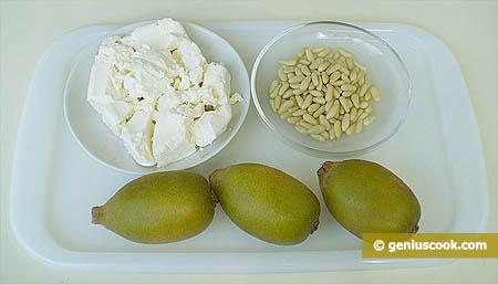 Ingredienti per la mousse di kiwi giallo, ricotta e pinoli