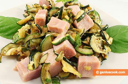Insalata di zucchini con prosciutto cotto e menta