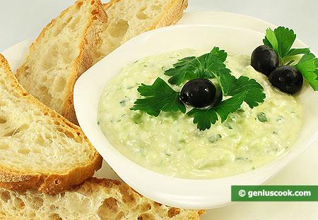 Salsa Zaziki con formaggio Feta