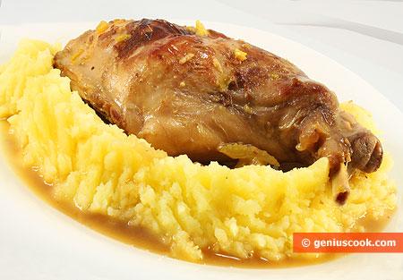 Coniglio in salsa di sedano con purea di patate