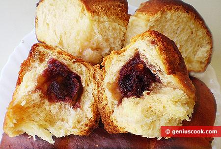 Interno Brioches con marmellata di mirtilli