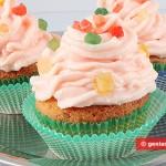 Muffin alla vaniglia con crema rosa