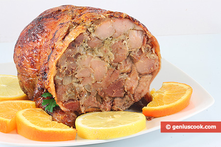 Anatra ripiena a porchetta piatto di carne gastronomia for Cucinare tagliata