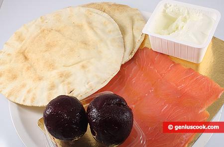Ingredienti per gli Involtini di pane arabo sottile con salmone affumicato