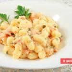 Gnocchi di patate in salsa di panna e salmone