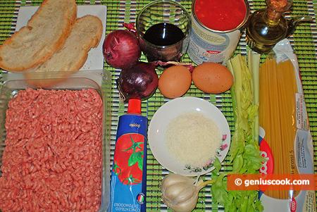 Ingredienti per gli Spaghetti con polpettine in salsa di pomodoro
