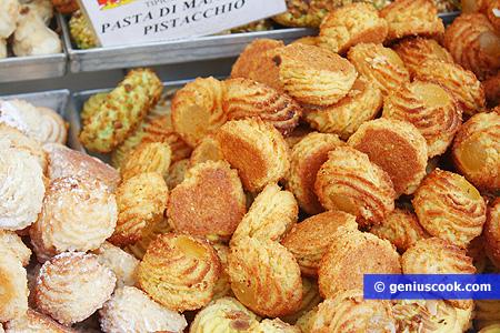 Biscotti pasta di mandorle della Puglia