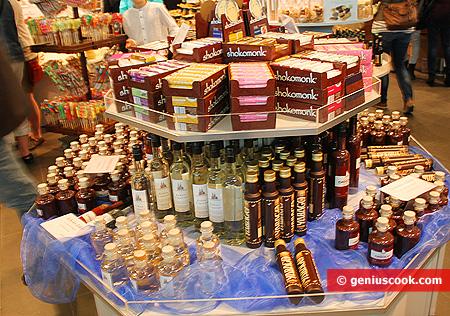 Liquori al cioccolato, sciroppi, essenze