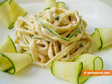 Pasta al salmone affumicato, zucchini e philadelphia