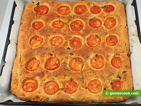 Focaccia al formaggio-olive-pomodorini
