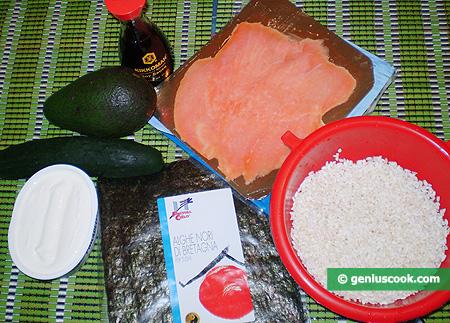 Ingredienti per il Sushi con Formaggio Philadelphia e Salmone affumicato