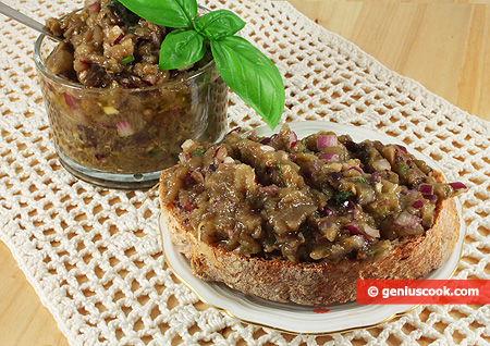 Paté di Melanzane con Olive e Capperi