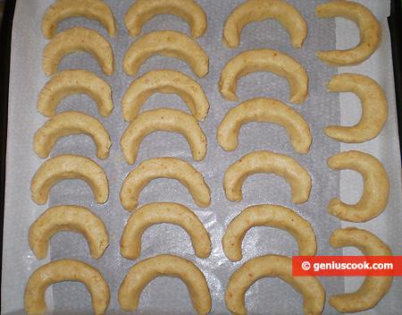 Biscotti alle Mandorle, Mezzaluna da cuocere