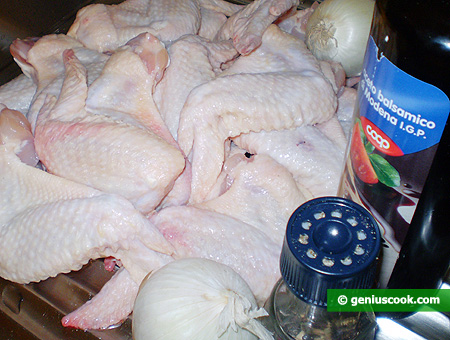 Ingredienti per le ali di pollo alla griglia