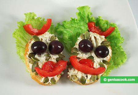 Tartine con Ricotta e pasta di Acciughe salate