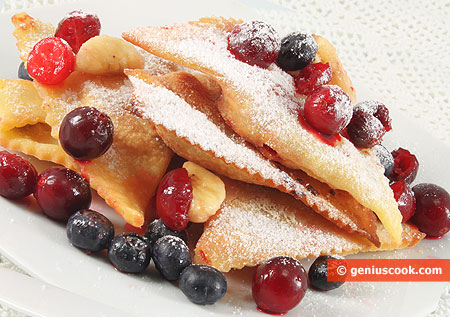 Chiacchiere o Frappe con Frutti di bosco