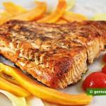 Salmone alla griglia con erbe aromatiche e papaya