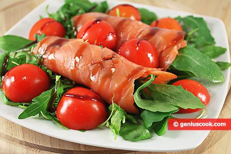 Antipasto di Salmone affumicato, Pomodori e Rucola