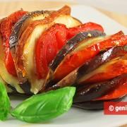 Melanzane al forno ripiene con Formaggio e Pomodori