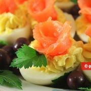Uova farcite con Formaggio e Salmone affumicato