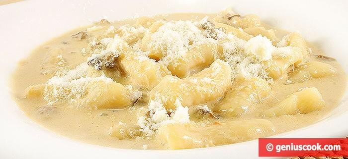 Gnocchi di Patate in salsa di Funghi